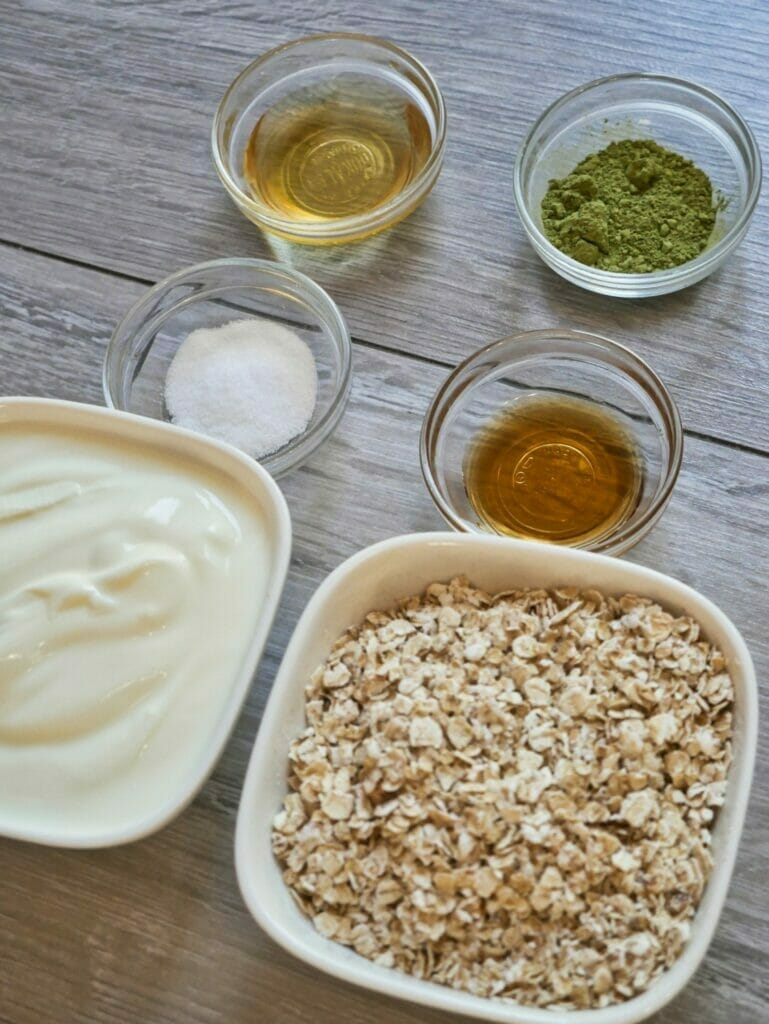 ingredients for matcha overnight oats